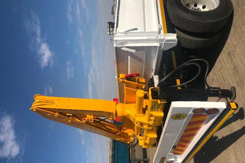 Renault Truck Crane truck RENAULT MIDLUM 280 DROPSIDE WITH CRANE 2012