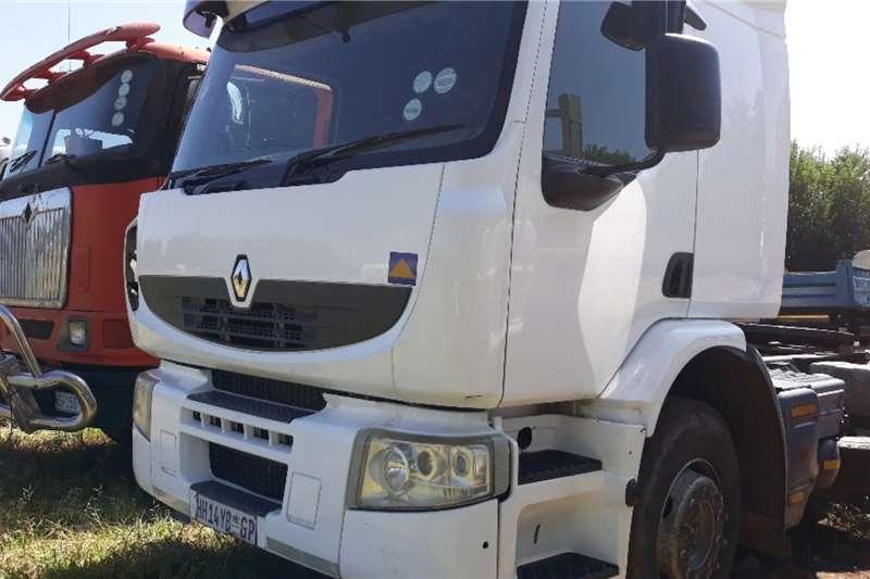 Renault Truck RENAULT PREMIUM LANDER 1 AXLE MECH HORSE 2013
