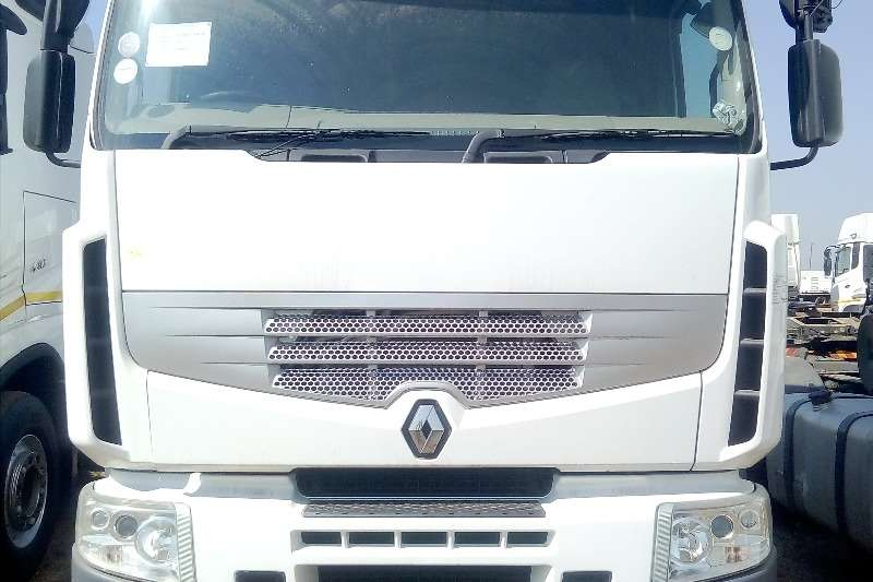Renault Truck-Tractor Double axle RENAULT 440 DXI DOUBLE DIFF 2011