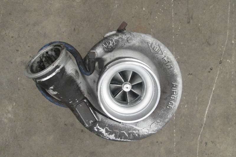 Renault Truck tractors DXi11 Turbo Charger 2013