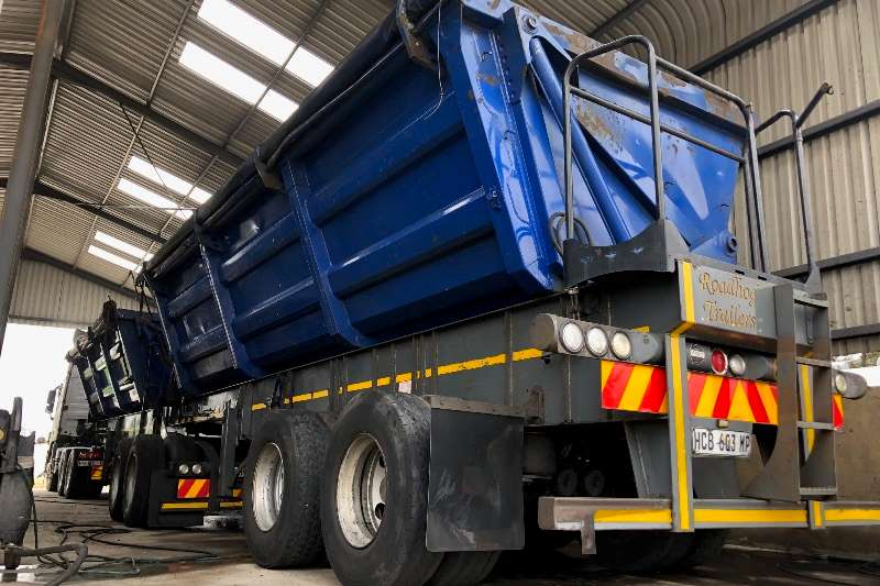 Roadhog Trailers Side tipper ROADHOG SIDETIPPER INTERLINK 40 CUBE 2013