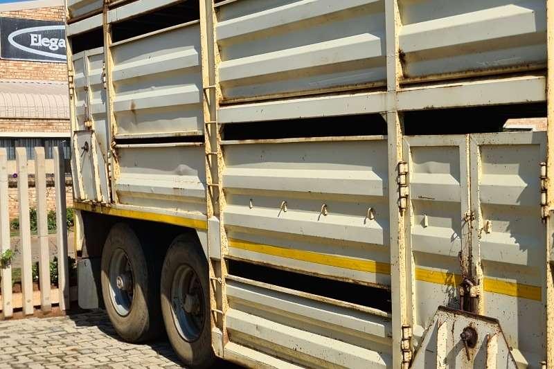 1999 SA Truck Bodies  CATTLE TRAILER