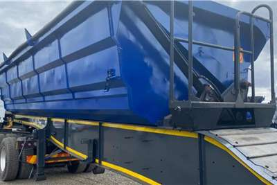 SA Truck Bodies 2017 SA Truck Bodies 45m3 Interlink Side Tipper Trailers