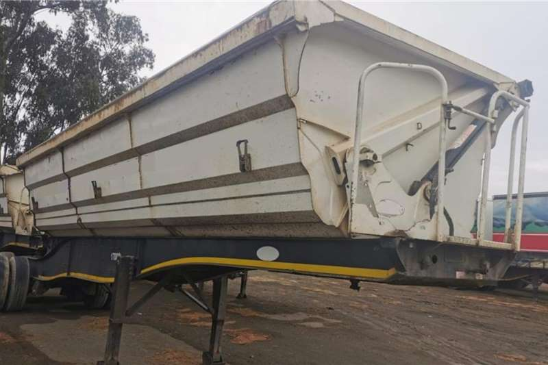 SA Truck Bodies Double axle Side Tipper Link Trailers