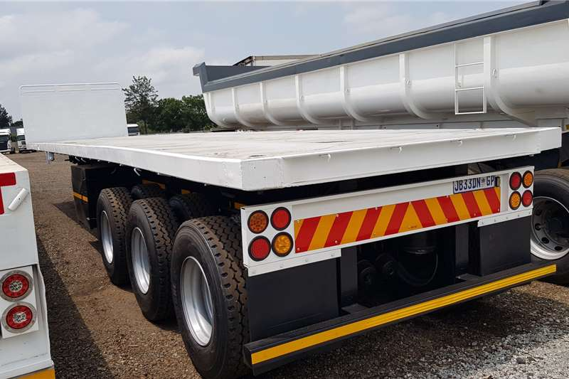 SA Truck Bodies Trailers Flat deck Refurbished Triaxle, container locks 2003