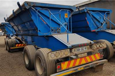 SA Truck Bodies Side tipper 25m3 Lifting Axle. Chrome/Manganese/Iron Ore Trailers