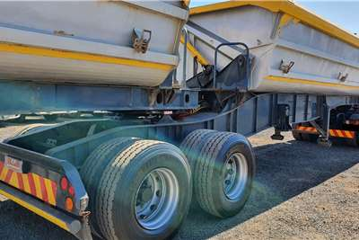 SA Truck Bodies Side tipper SA TRUCK BODIES 40 CUBE SIDE TIPPER Trailers
