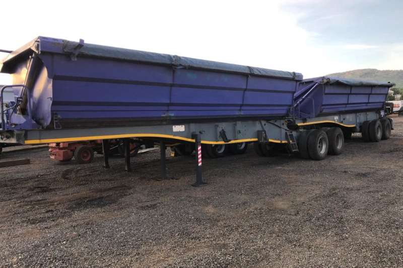 SA Truck Bodies Trailers Tipping bulk trailer 2008 SA Truck Bodies 45 Cubic meter side tipper in 2008