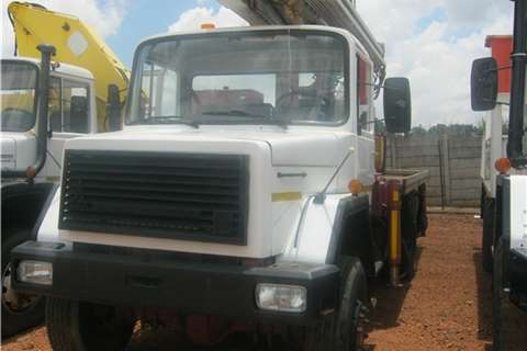 Samil Truck Crane truck Samil 50 Italmec Crane 1995