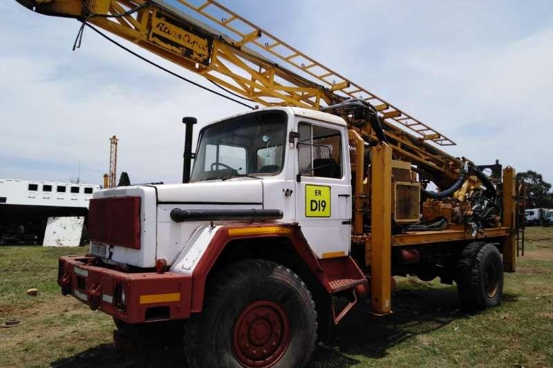 Samil Truck Other Samil 50 drill rig
