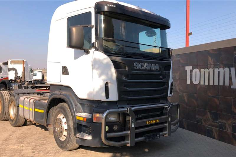 Scania Truck-Tractor Double axle R420 2011