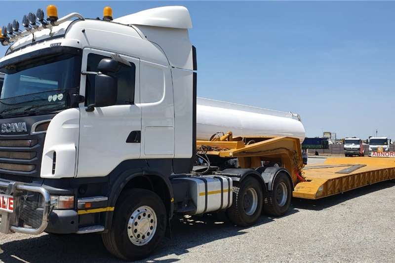 Scania Truck-Tractor Double axle R580 V8 Truck Tractor & Lowbed Combo 2013