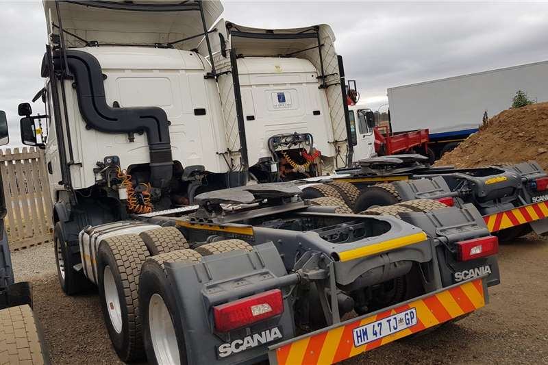 Scania Double axle R460 Excellent Condition Truck tractors