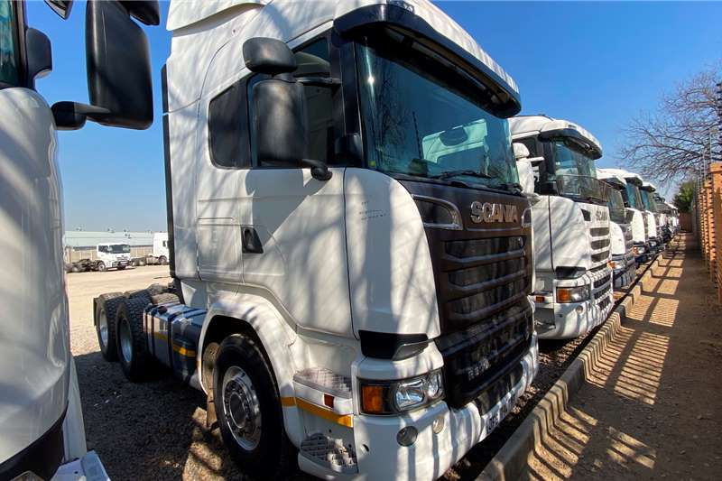 Scania Double axle SCANIA R500 6X4 T/T V8 Truck tractors