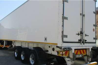 Serco 30 pallet / Carrier unit Trailers