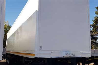 Serco Close volume body 14.75m Triaxle. BPW Air Susp. Lift Axle. Tailift Trailers