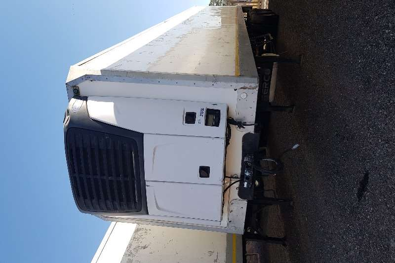 Serco Trailers Refrigerated trailer Serco Triaxle Fridge, Carrier X2100 unit 2011