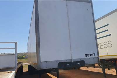 Serco TRI AXLE BOX BODY Trailers