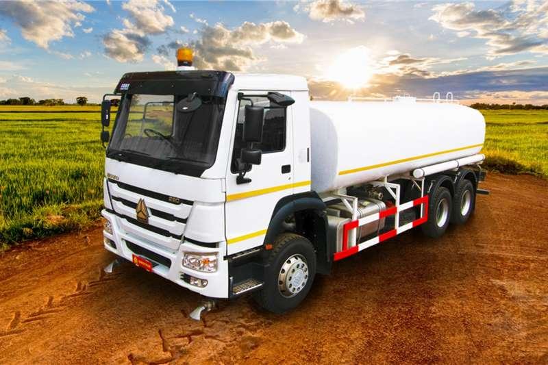 Sinotruk Water bowser trucks 6x4 Sinotruk Water Tanker 2020