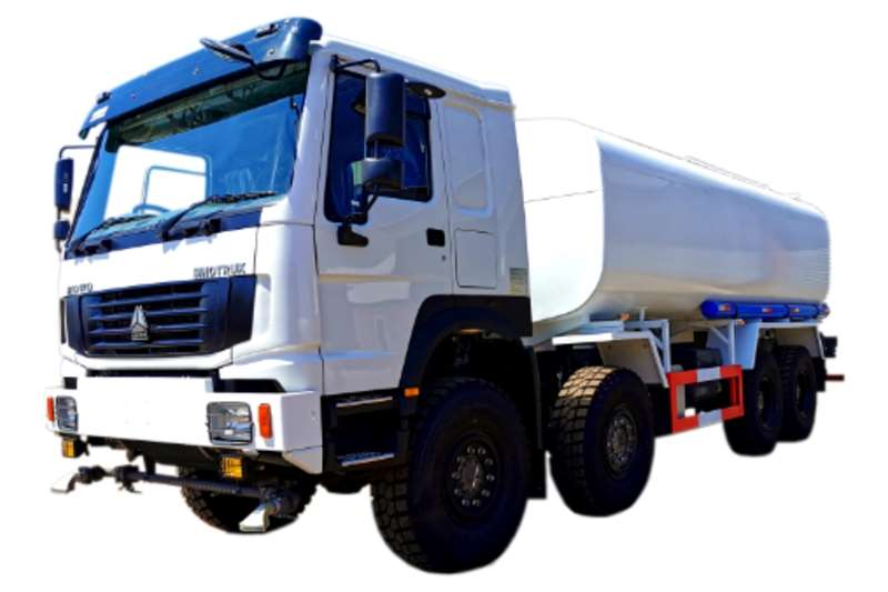 Sinotruk Water Bowser Trucks 8x8 Water Tanker 25000L 2020
