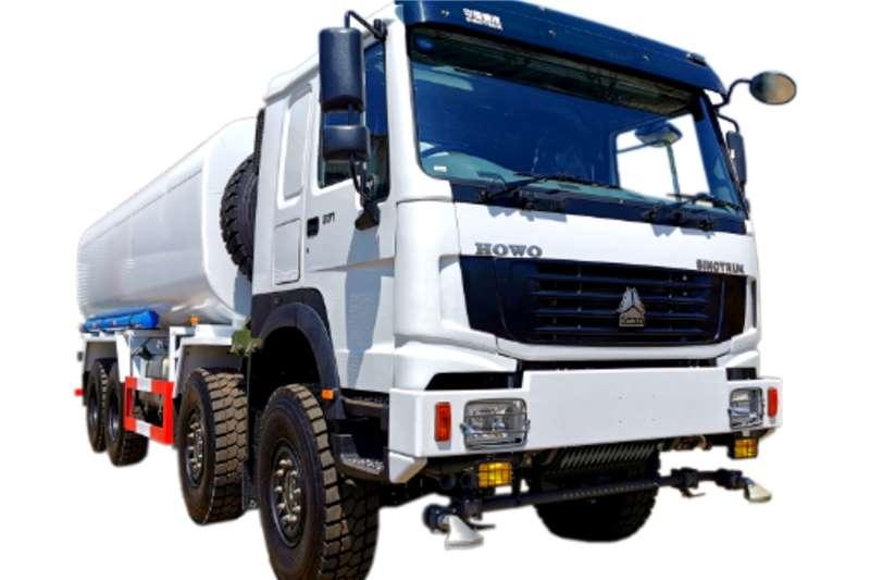 Sinotruk 8x8 Water Tanker 25000L Water bowser trucks