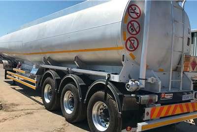 Tank Clinic 2017 Tank Clinic Tri Axle fuel tanker Trailers
