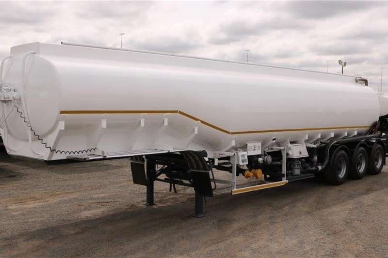 Tank Clinic Trailers Fuel tanker Tri   Axle 2008