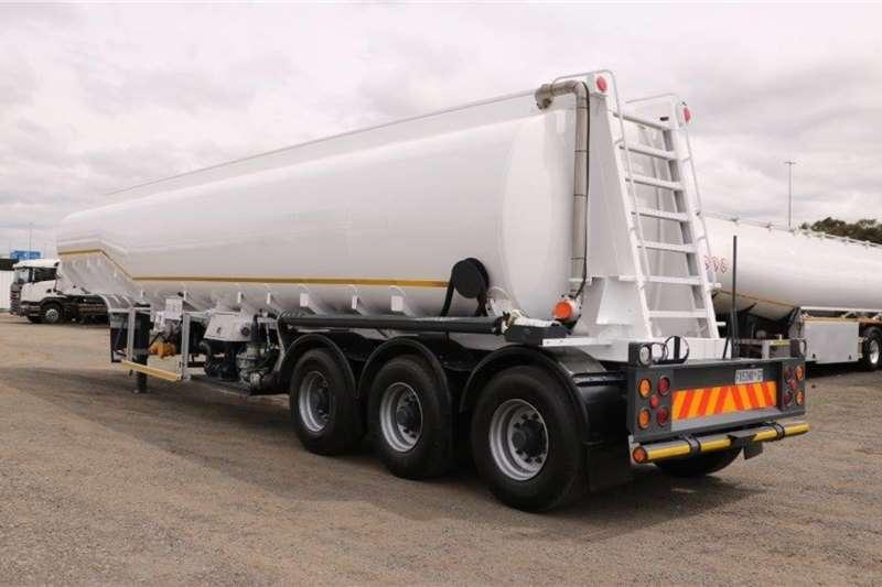 Tank Clinic Fuel tanker Tri   Axle Trailers