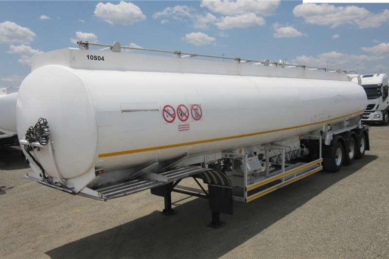 Tank Clinic Trailers Fuel tanker Tri   Axle 2010