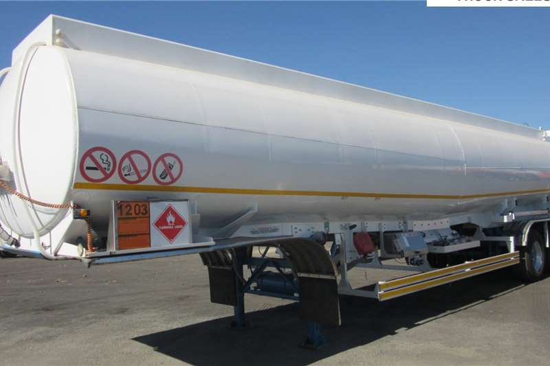 Tank Clinic Trailers Fuel tanker Tri   Axle 2015