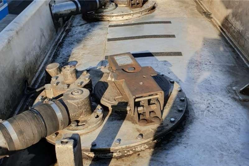 Tank Clinic Semi Trailer Trailers