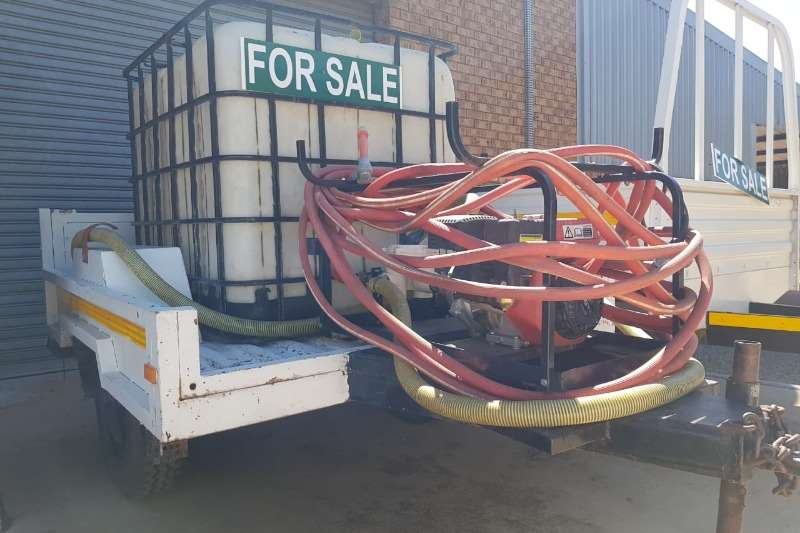 Tanker Trailer Trailers Water Tanker TRAILER WITH 1000LT TANK HOSES AND PUMP