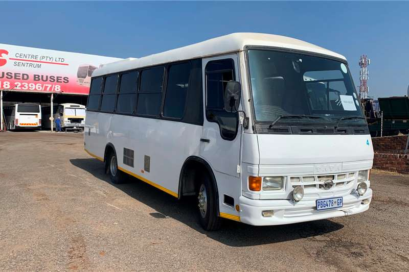 Tata Buses 28 seater TATA LP713 TATA BODY (28 SEATER) 2003