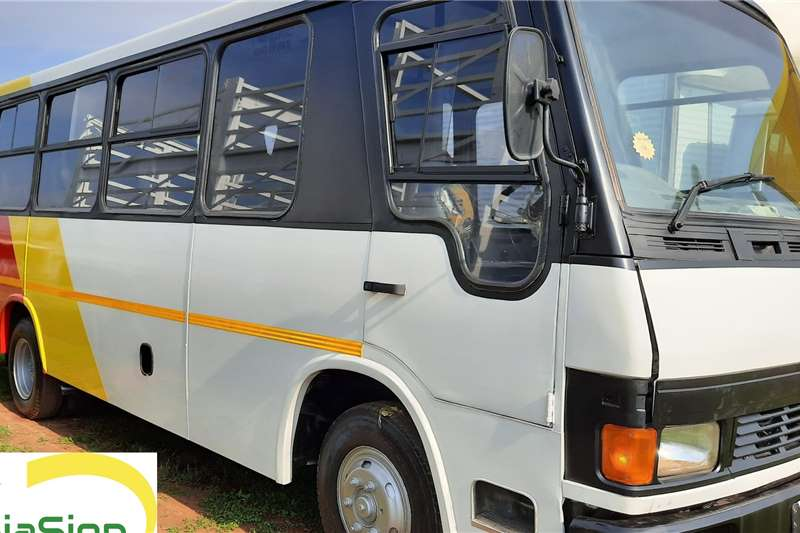 Tata Buses 32 seater Used   TATA LP 713 (32 Seater) 2001