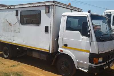 Tata 713  S Tata Personnel carrier trucks