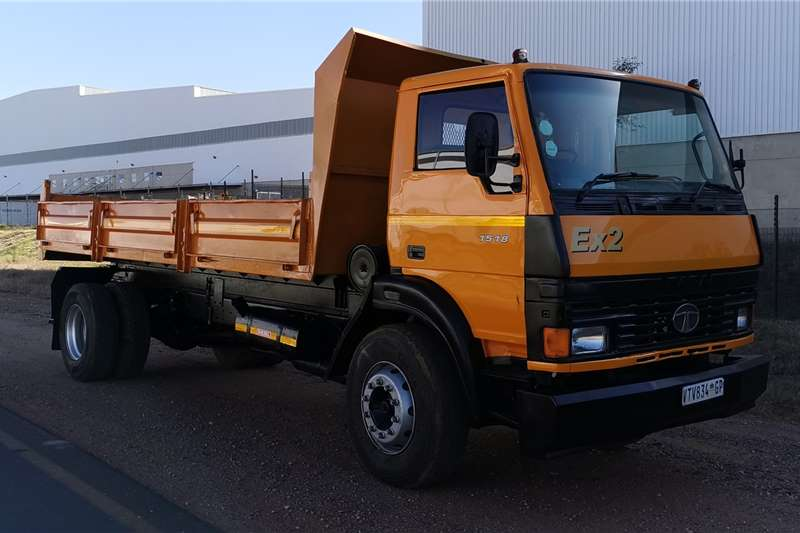Tata Tipper trucks LPT 1518 8 TON 2002