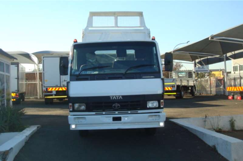 Tata LPT 813 3 CUBE TIPPER Tipper trucks