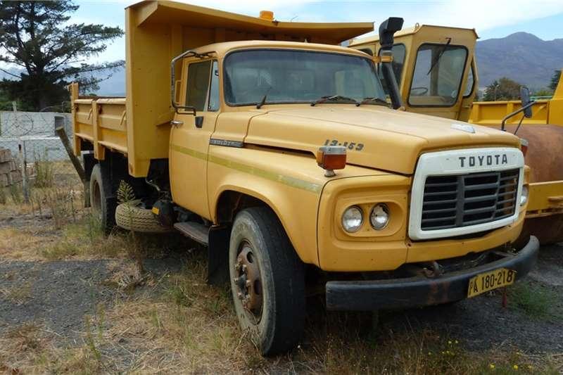 Tata Tipper trucks Toyota Tipper truck dropside 2000