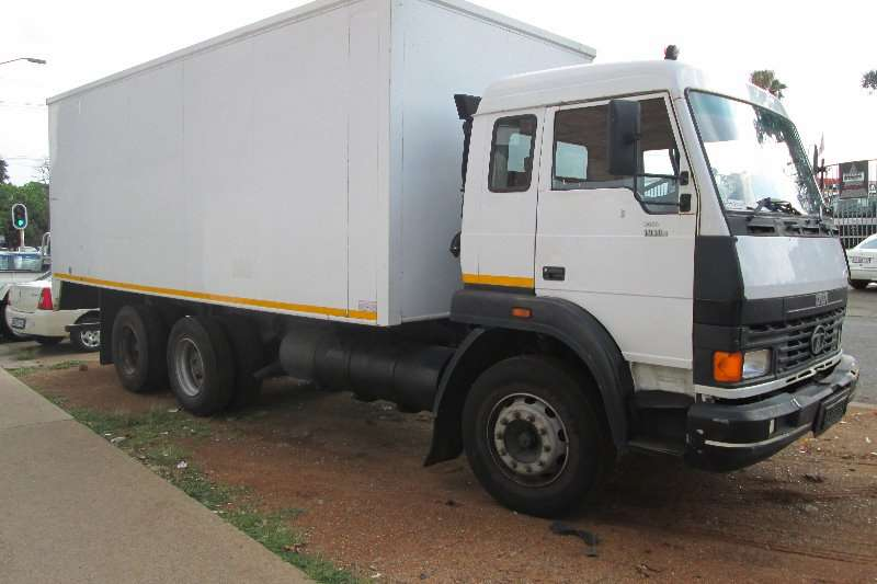 Tata Truck Closed body 1918 2009