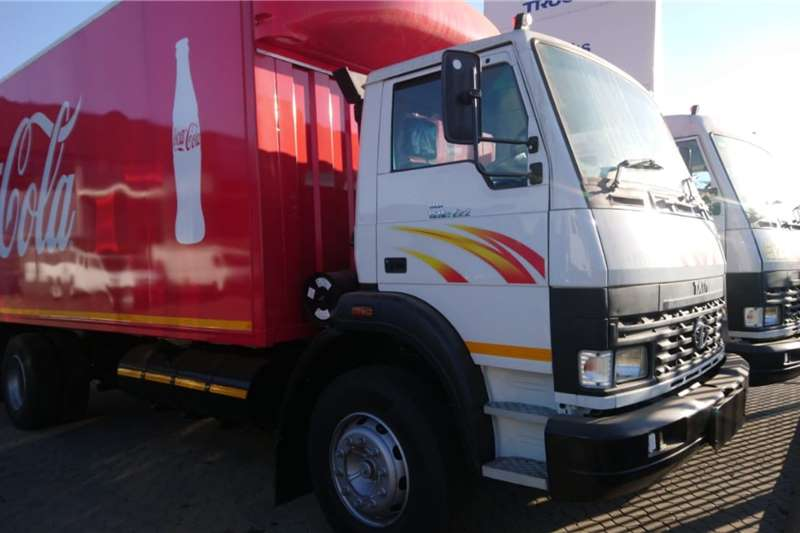 Tata Truck Curtain side TATA 8 TON LPT 1518 TAUTLINER TRUCK (RED) 2020