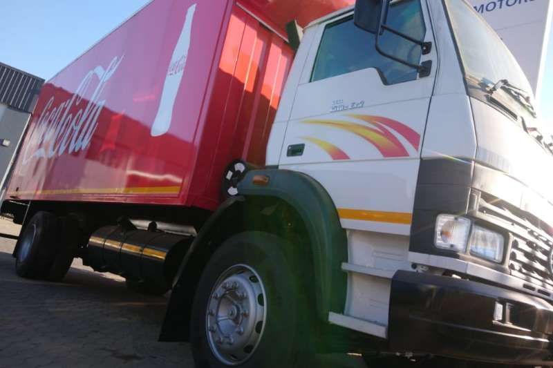 Tata Truck Curtain side TATA LPT 1518 8 TON TAUTLINER BODY  NEW 2019