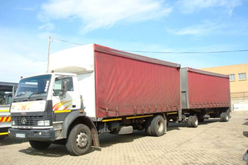 Tata Truck Curtain side TATA LPT 1623 6 TON TAUTLINER WITH TAUTLINER 2017
