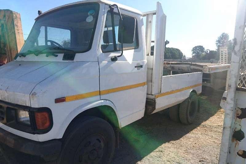 Tata Truck Dropside 407 Breakdown