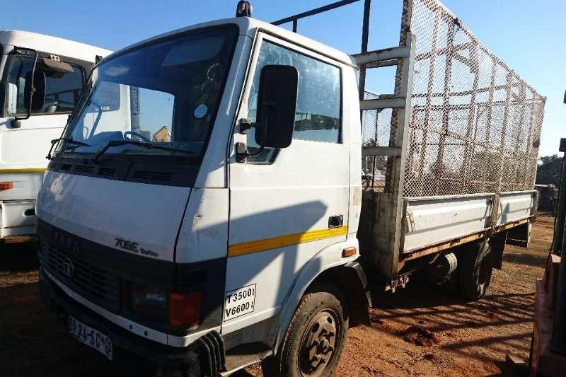 Tata Truck Dropside 708E (4t) + Cage 2006