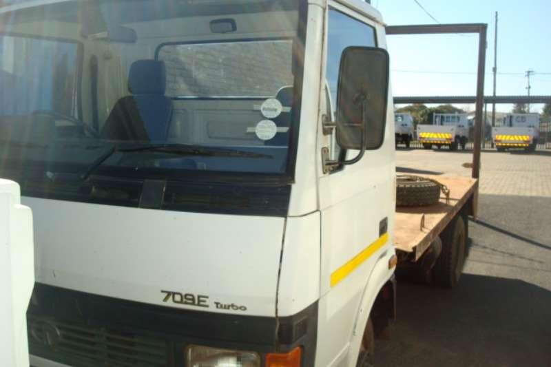Tata Truck Flat deck TATA LPT 709 3 TON TRUCK 2005