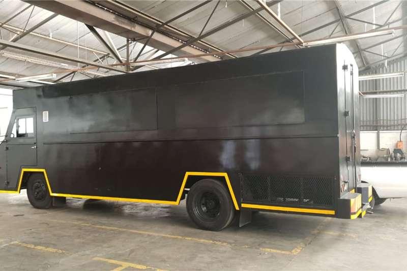 Tata Truck Lowbed Tata LPT1216 6Ton (Food Truck) 2020