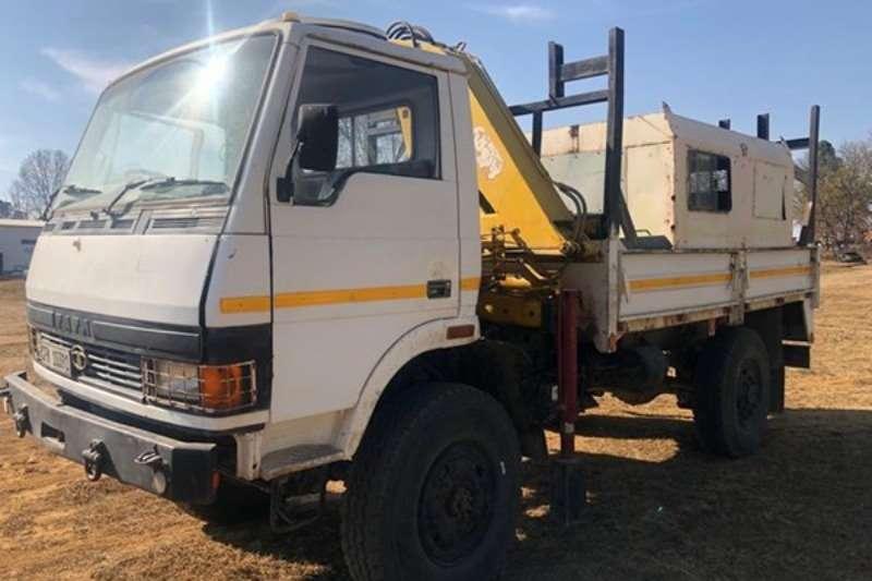 Tata Truck LPTA 4X4 Crane Truck, 3 ton 2004
