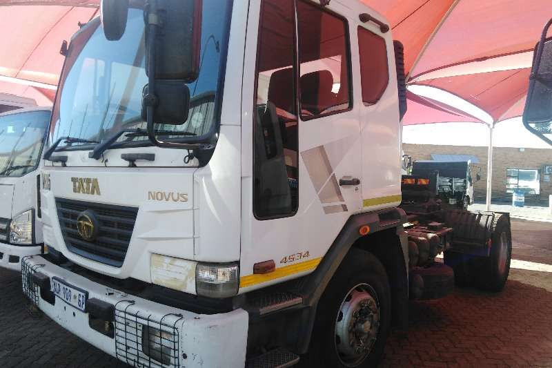 Tata Truck-Tractor Single axle NOVUS 4534 T/T 2008