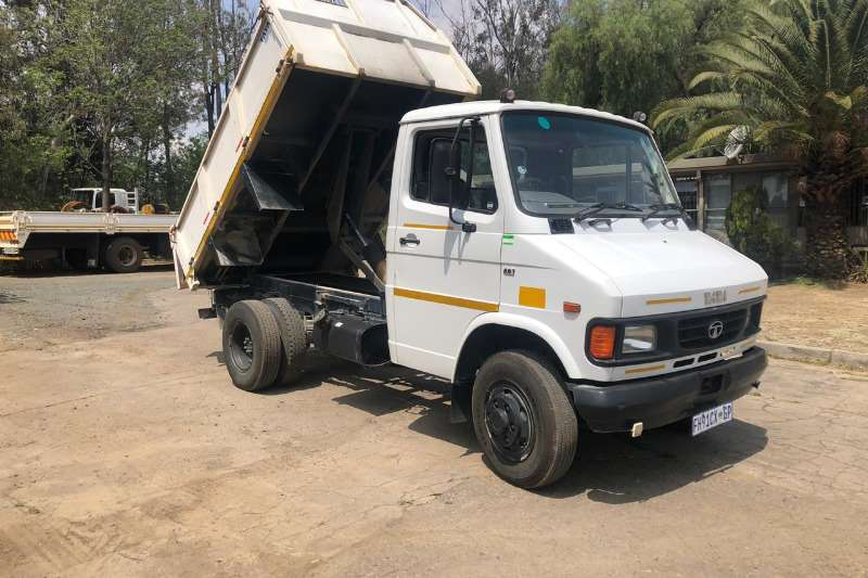 Tata Truck-Tractor Single axle TIPPER 2016