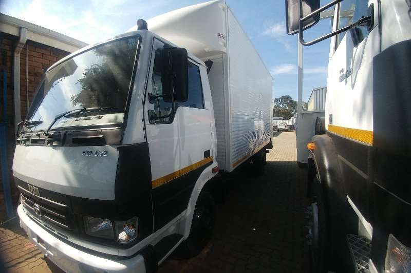 Tata Truck Volume body LPT813 VAN BODY 4 TON 2015